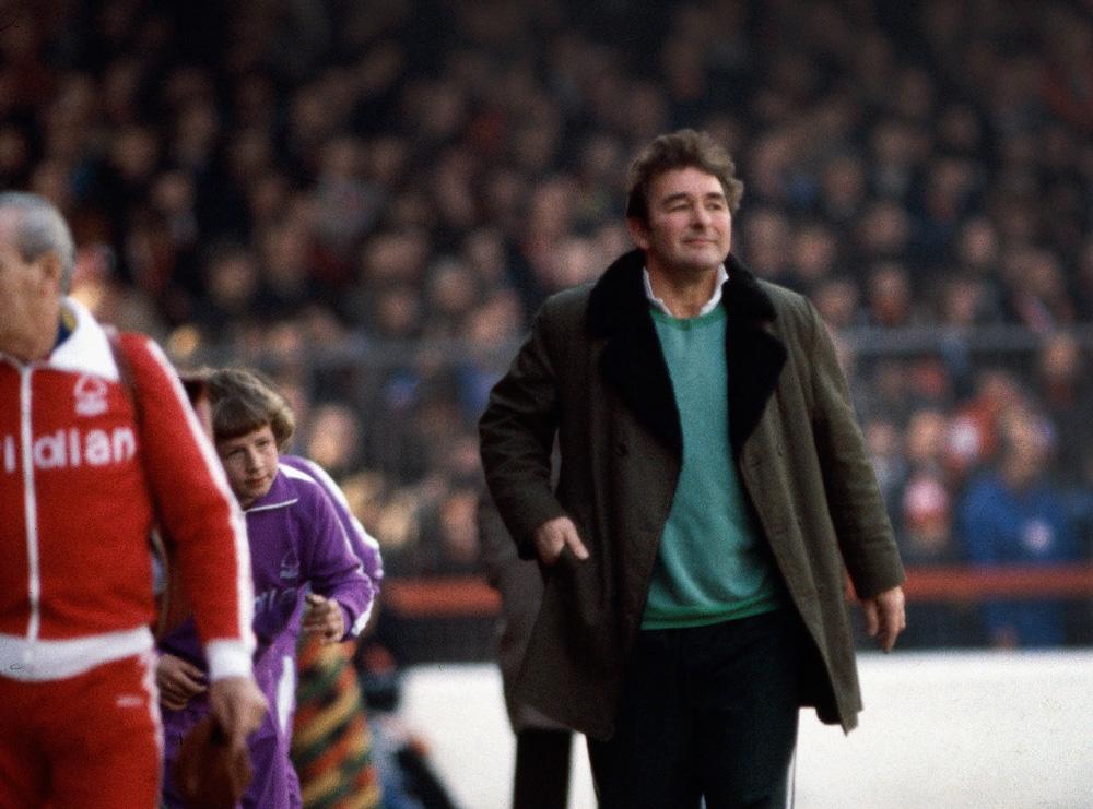 Clough raggiunge la panchina per Forrest vs City del 1979